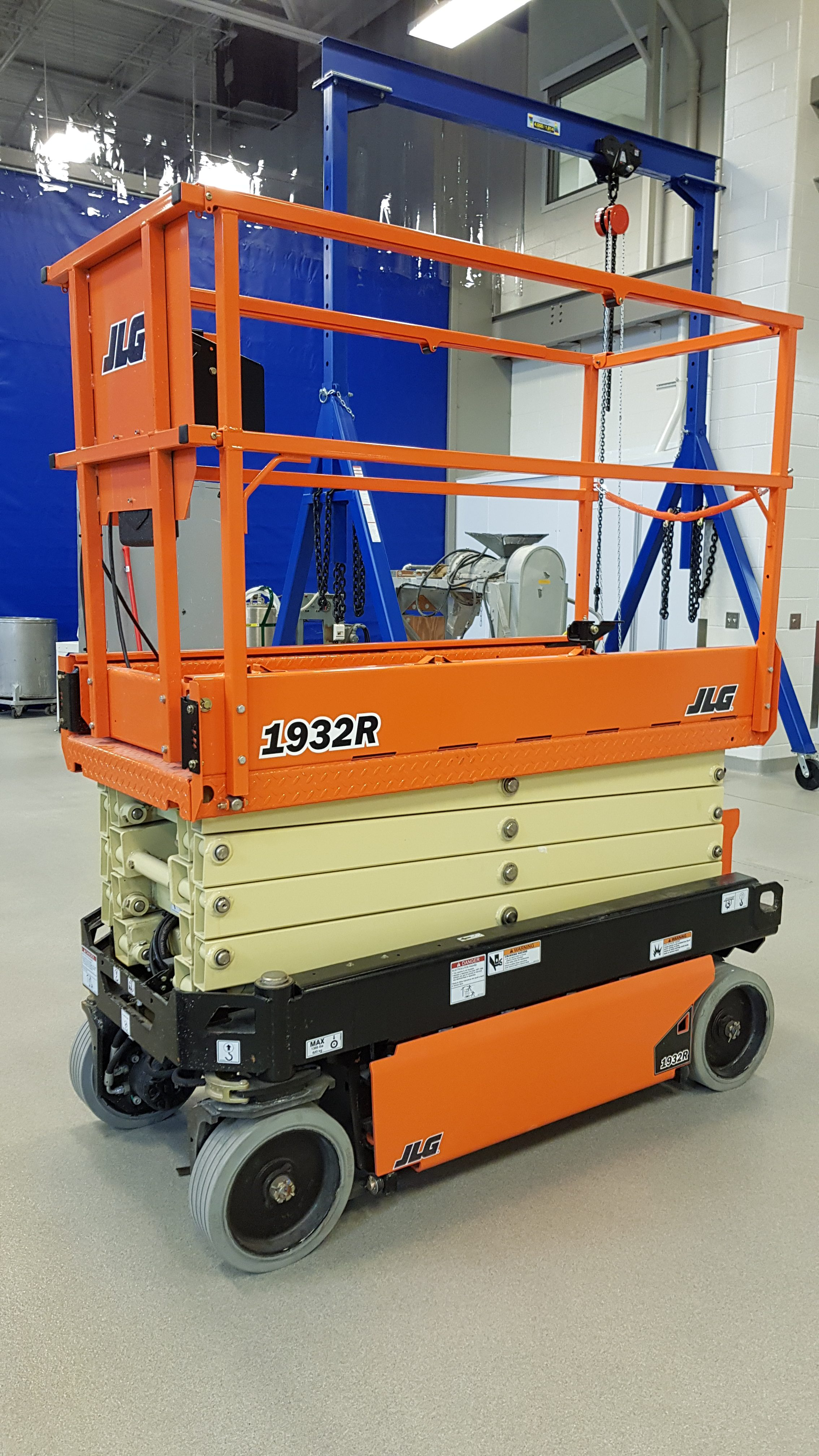50-003 JLG 2 man Scissor Lift